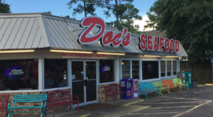 This Seafood Shack In Alabama Serves Fried Shrimp To Die For