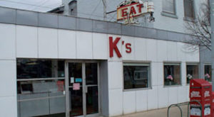 Everyone Goes Nuts For The Hamburgers At This Nostalgic Eatery In Ohio