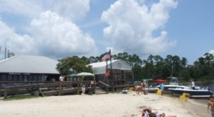 The Tropical Themed Restaurant In Alabama You Must Visit Before Summer's Over