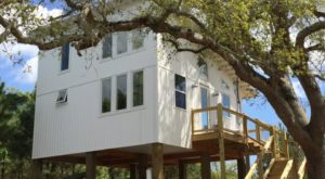 Get Away At This Tiny Beach House In Mississippi For An Unforgettable Experience