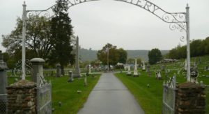 5 Disturbing Cemeteries Around Cincinnati That Will Give You Goosebumps