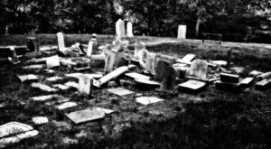 There's A Forgotten Cemetery Hiding In DC And It's Truly Creepy