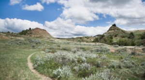 The Hiking Trail In North Dakota That Will Transport You Into Another World