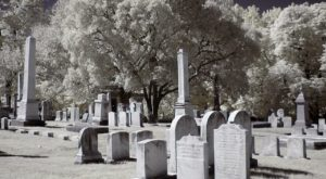 7 Cemeteries Around Philadelphia That Will Give You Goosebumps