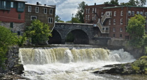 The Charming Waterfall Town In Vermont You Have To Visit At Least Once