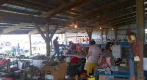 You Could Easily Spend All Weekend At This Enormous Iowa Flea Market