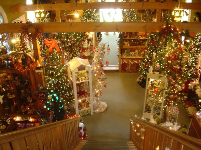 tannenbaum holiday shop in sister bay  wisconsin lets you