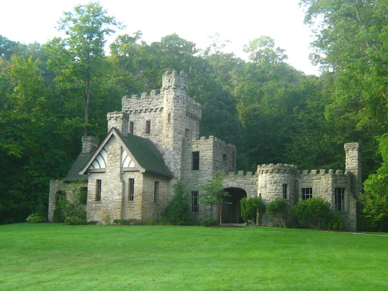 The Ohio Hike That Leads To A Castle Squire S Castle