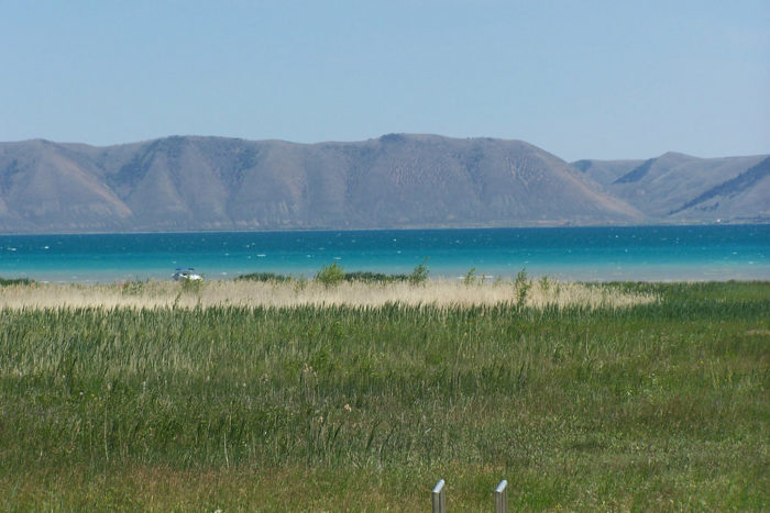 Bear lake in idaho is one of the most unique beaches in for Plenty of fish boise