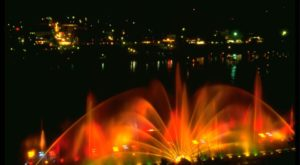 This Musical Fountain In Michigan Is Like Nothing You've Ever Seen