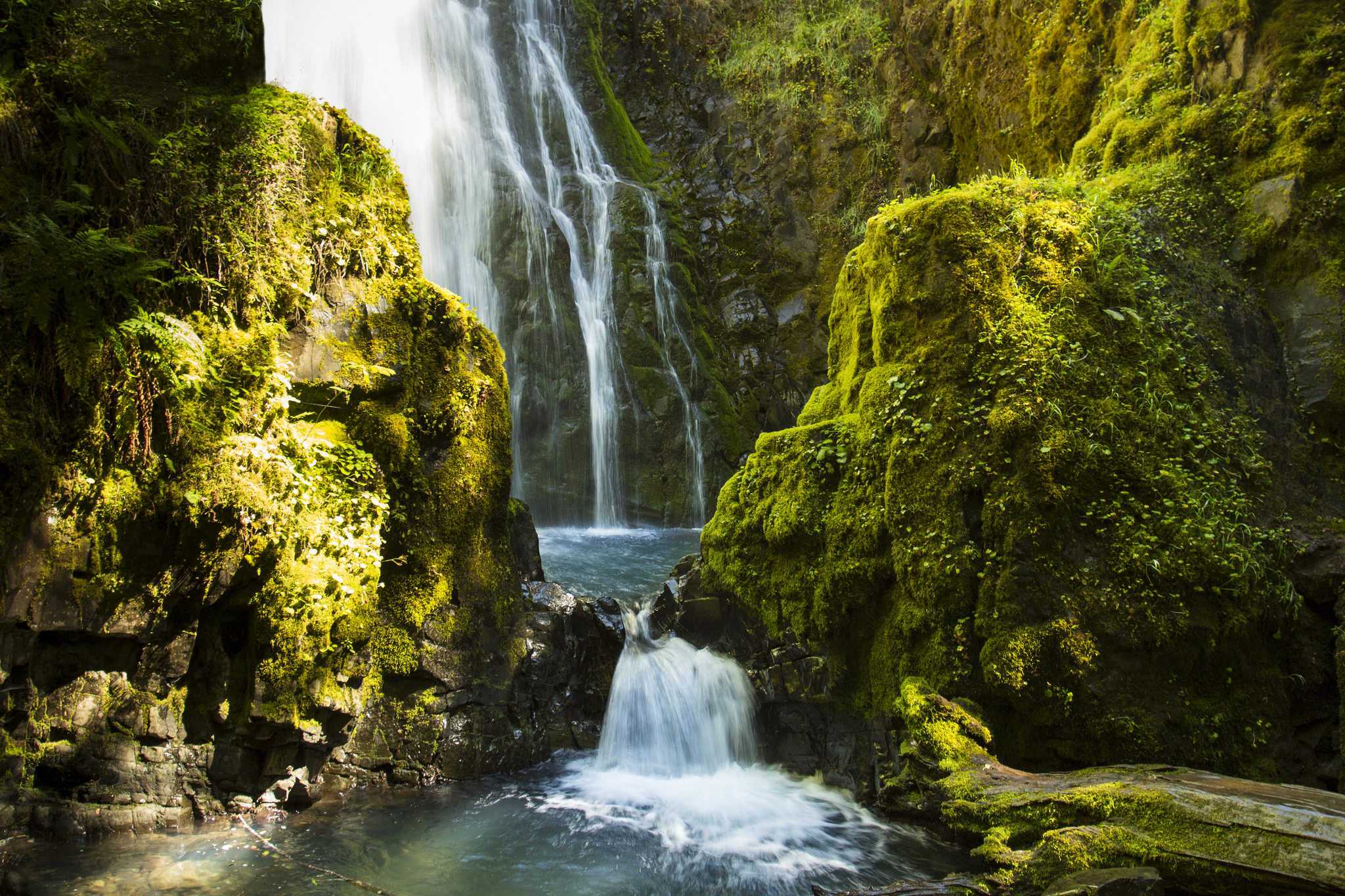 Take A Scenic Drive On Oregon S Highway Of Waterfalls