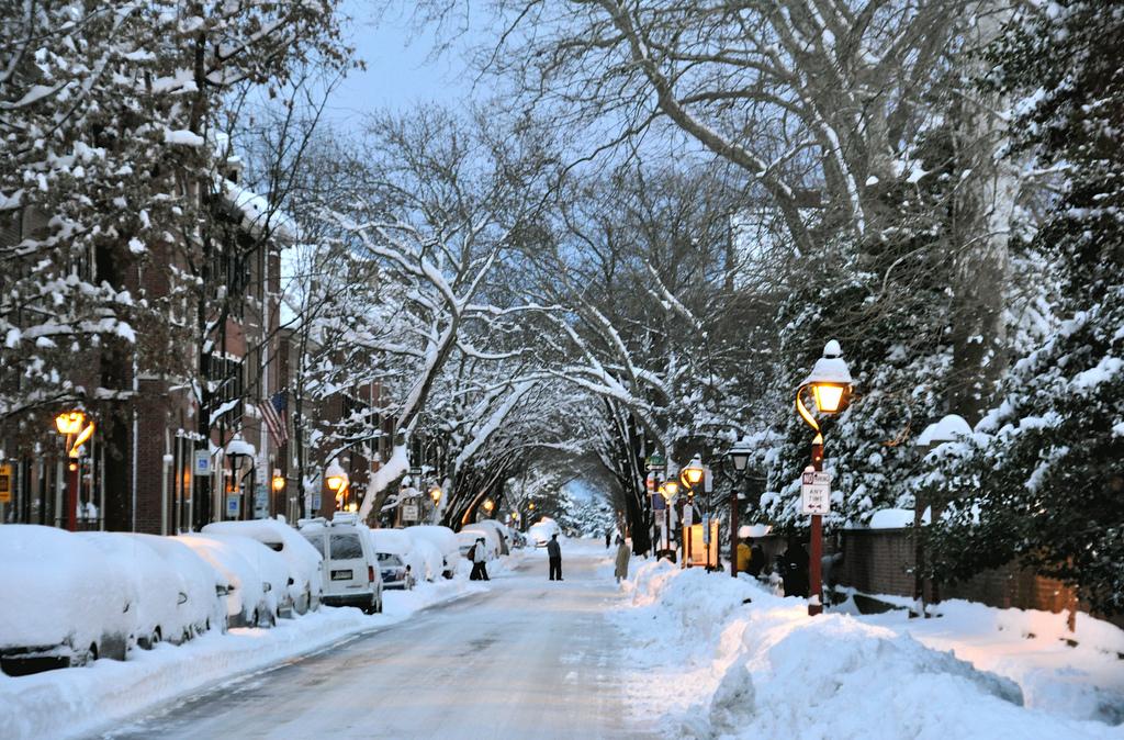 Farmers Almanac Predicts Wild Winter 2017-2018 For Philadelphia