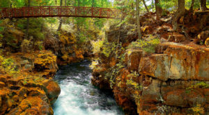 The Easy River Gorge Hike In Oregon That's Nothing Short Of Magical