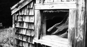 The Story Behind Maine's Most Haunted House Is Beyond Terrifying