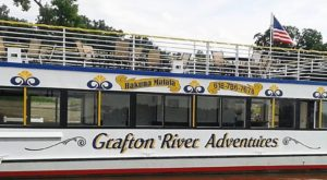 The Relaxing River Tour In Illinois You'll Want To Take Before Summer Ends
