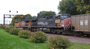 There's A Little-Known, Fascinating Train Park In Illinois And You'll Want To Visit