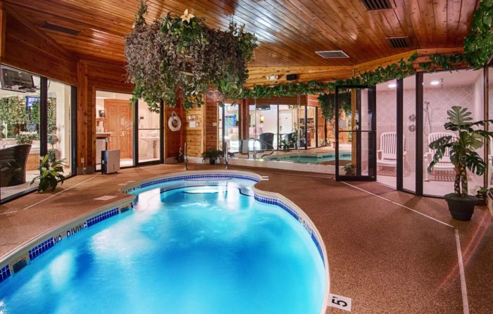 Sybaris Is The Most Romantic Hotel In Illinois