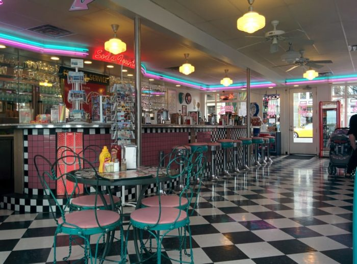 These 5 Old Fashioned Soda Fountains In Washington Will