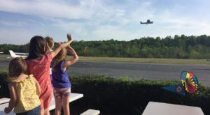 You Can Watch Planes Land At This Underrated Restaurant in Virginia