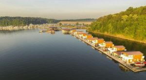 These Floating Cabins Near Louisville Are The Ultimate Place To Stay Overnight This Summer