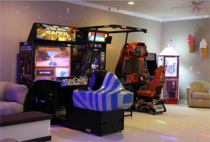 Florida 39 s insane candy mansion is what childhood dreams - Game room in house ...