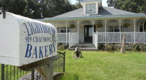 The Island Bakery In Alabama That Serves The Best Cinnamon Rolls Ever