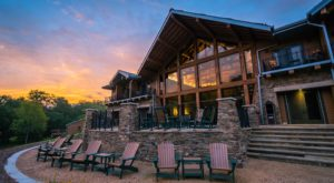 The Beautiful Restaurant Tucked Away In A Missouri Forest Most People Don't Know About