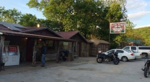 The Tiny, Rustic Arkansas Cafe Out In The Middle Of Nowhere You Have To Try