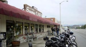 The Old School Diner In Southern California That Will Take You Back In Time