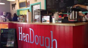 You'll Find The Best Chicken And Doughnuts At This Charming North Carolina Restaurant