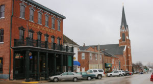 6 Slow-Paced Small Towns Near St. Louis Where Life Is Still Simple