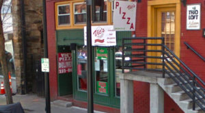 The Little Hole-In-The-Wall Restaurant That Serves The Best Pizza In South Carolina