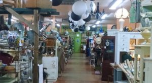 You Could Easily Spend All Weekend At This Enormous Antique Mall