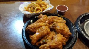 The Unassuming Restaurant In Missouri That Serves The Best Hot Wings You'll Ever Taste