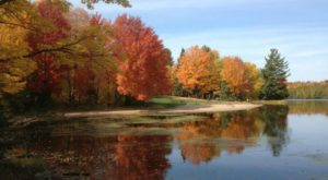 The One Hikeable Lake In Wisconsin That's Simply Breathtaking In The Fall