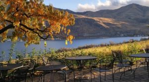 The Hidden Restaurant In Washington That's Surrounded By The Most Breathtaking Fall Colors