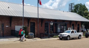 The Most Mouthwatering Soul Food Is Waiting For You Inside This Hidden Mississippi Gem