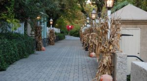 The Hidden Restaurant In Delaware That's Surrounded By The Most Breathtaking Fall Colors
