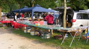 You Could Easily Spend All Weekend At This Enormous Wisconsin Flea Market