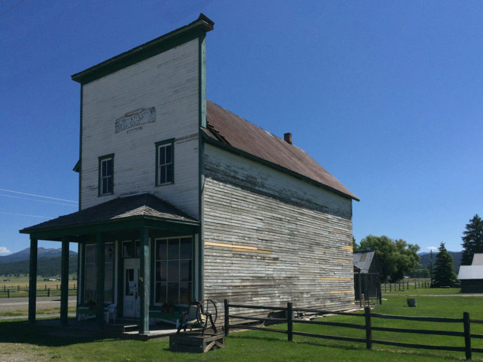 8 historic towns in idaho that look like the wild west - Beautiful abandoned places bringing back past memories historical buildings ...