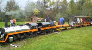 The Pumpkin Patch Train Ride In Ohio That's Perfect For A Fall Day