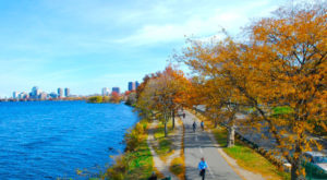 13 Picture Perfect Fall Day Trips To Take In Massachusetts