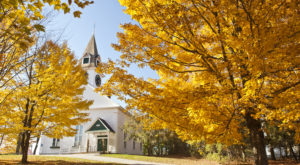 The One New Hampshire Town Everyone Must Visit This Fall