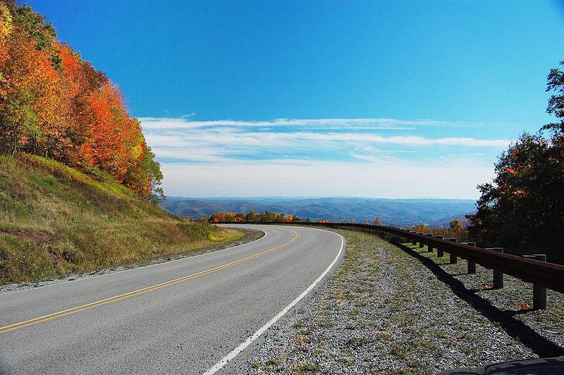 how long is the drive from atlanta to north carolina