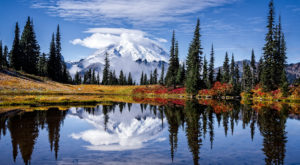 The One Hikeable Lake In Washington That's Simply Breathtaking In The Fall