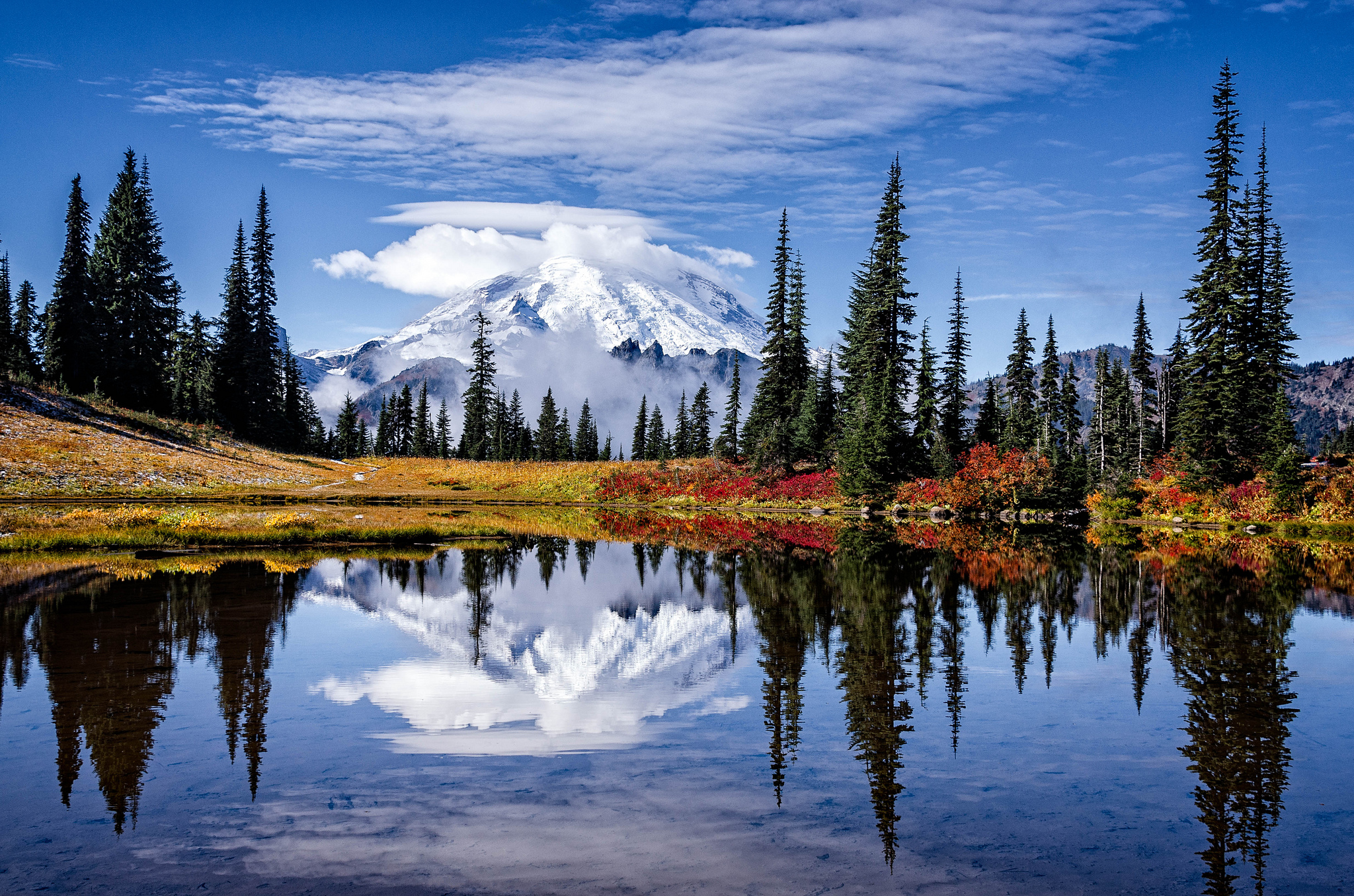 Lake Tipsoo The One Hikeable Lake In Washington That S