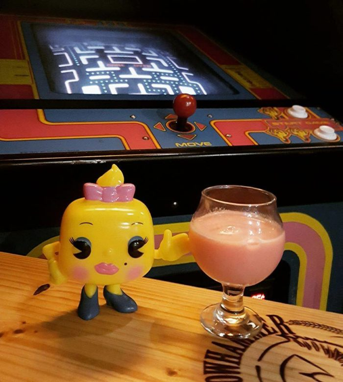 Pints Amp Pixels Best 80s Themed Arcade Bar Restaurant In