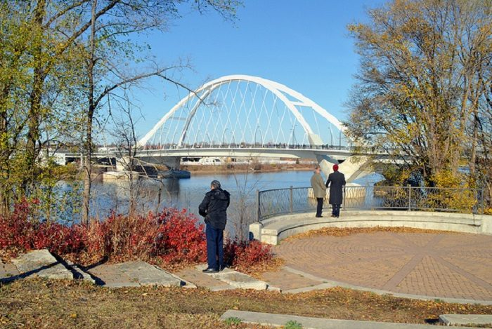 Take This Minneapolis Fall Foliage Road Trip To See The