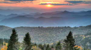 These 10 Blue Ridge Parkway Overlooks Will Make Your Fall Complete