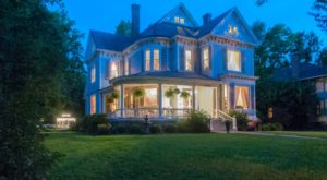 The Illinois Bed & Breakfast In A Victorian Dream Home You'll Never Want To Leave